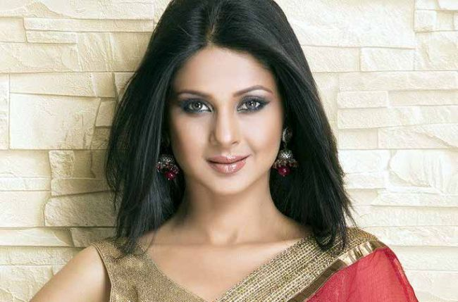 Jennifer Winget Height Weight Age Affairs Wiki Facts Net Worth Boyfriend Body Measurements Family Marriag Jennifer Winget Indian Tv Actress Jennifer