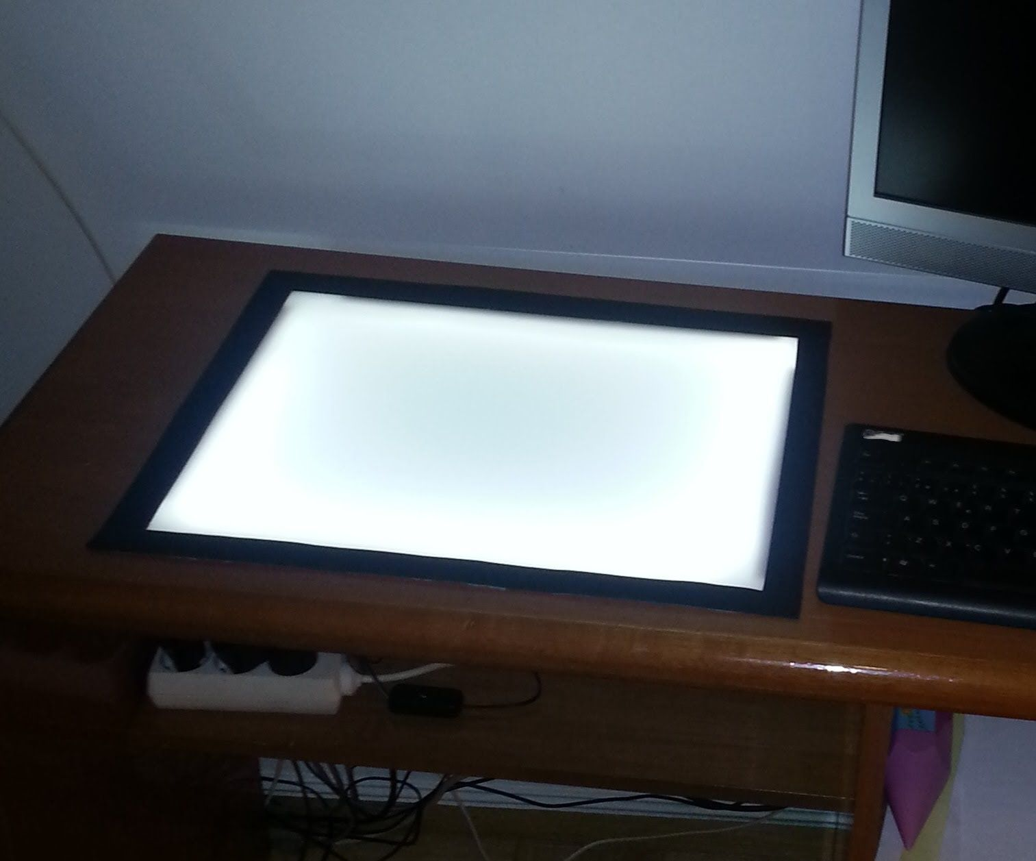 Mesa de luz para dibujo bricolaje diy pinterest - Tablero escritorio ...