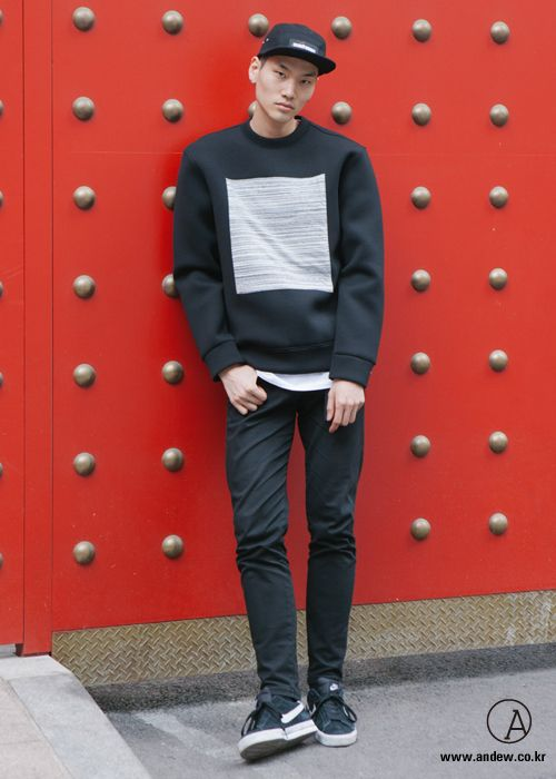 Lee Seunguk for Andew Street - Black Chic Look