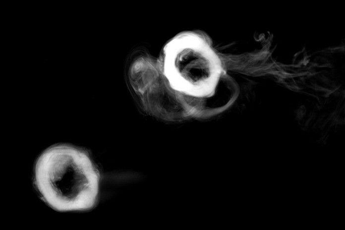 How To Do Smoke Rings And Amazing Vape Tricks Tutorial Vape Tricks Vape Smoke Vape