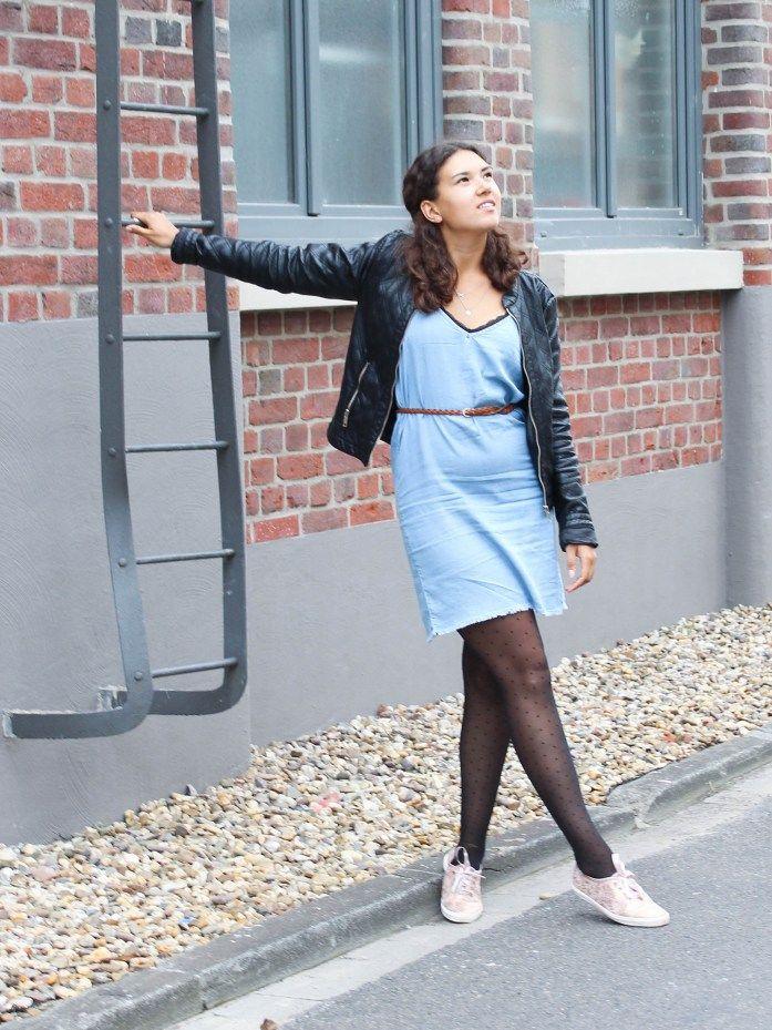 84876a193ac1f3 Blaues kleid strumpfhose. Welche Schuhe zum blauen Kleid  So findest ...