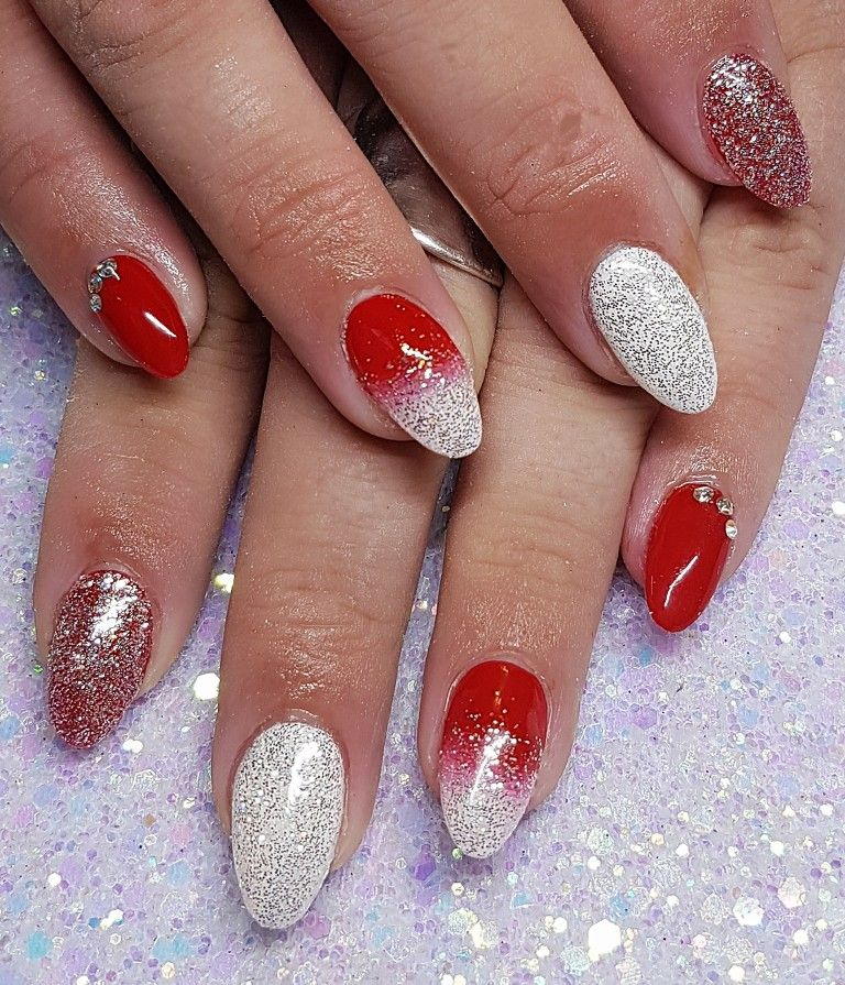 Red And White Ombre Gel Nails With Glitter Christmas Nails Ombre Gel Nails Glitter Gel Nails Christmas Nails