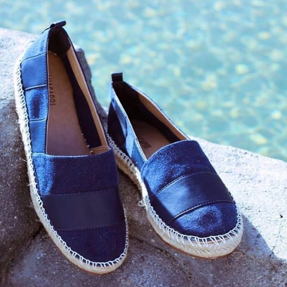 ee8dce1349d Qualquer produção fica bem com esta Alpargata Azul! ☀  conforto  style   fashion  inlove  blue  anacapri  alpargatas  verao  viaflorencebh