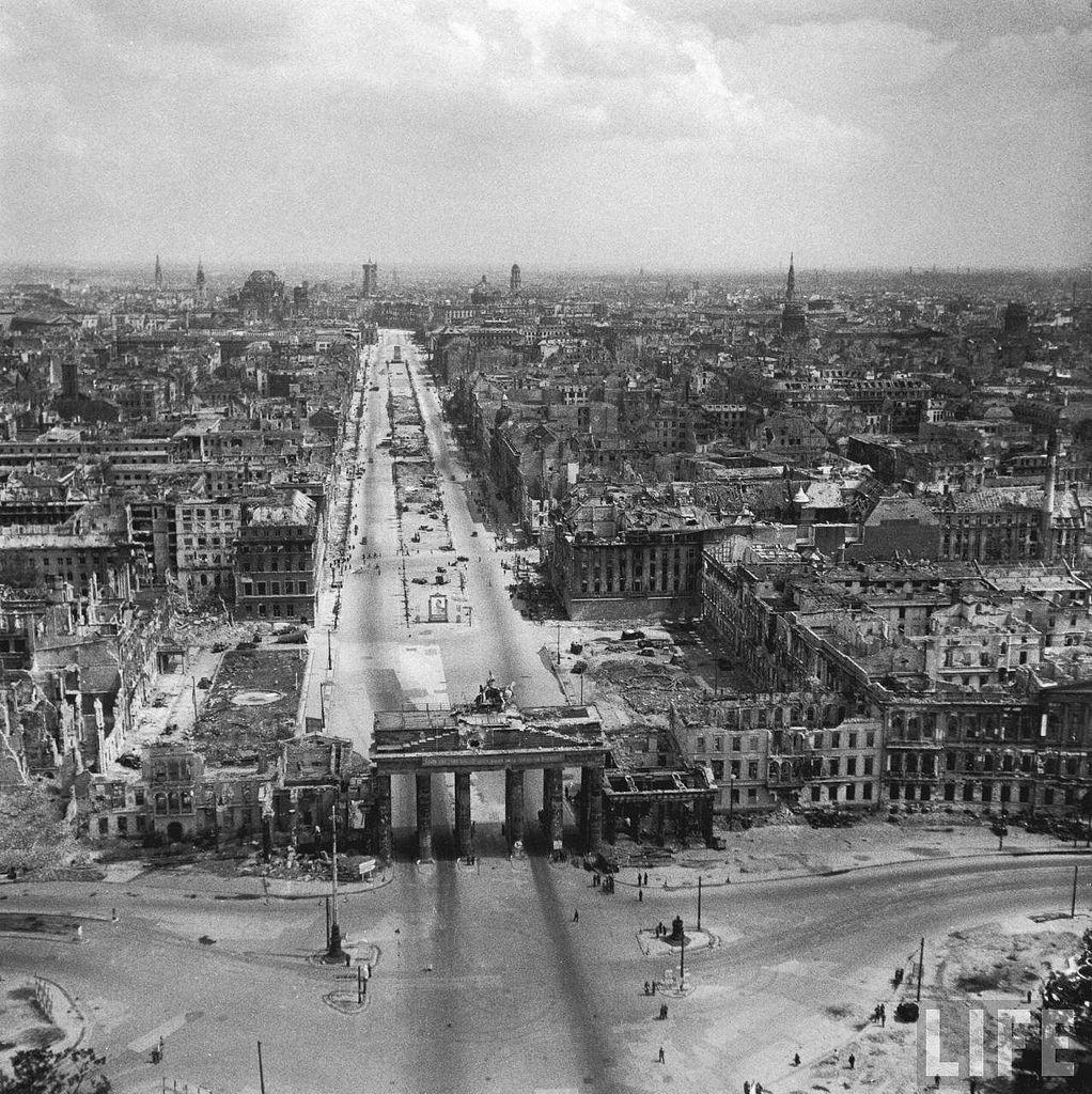 Pin Auf German History