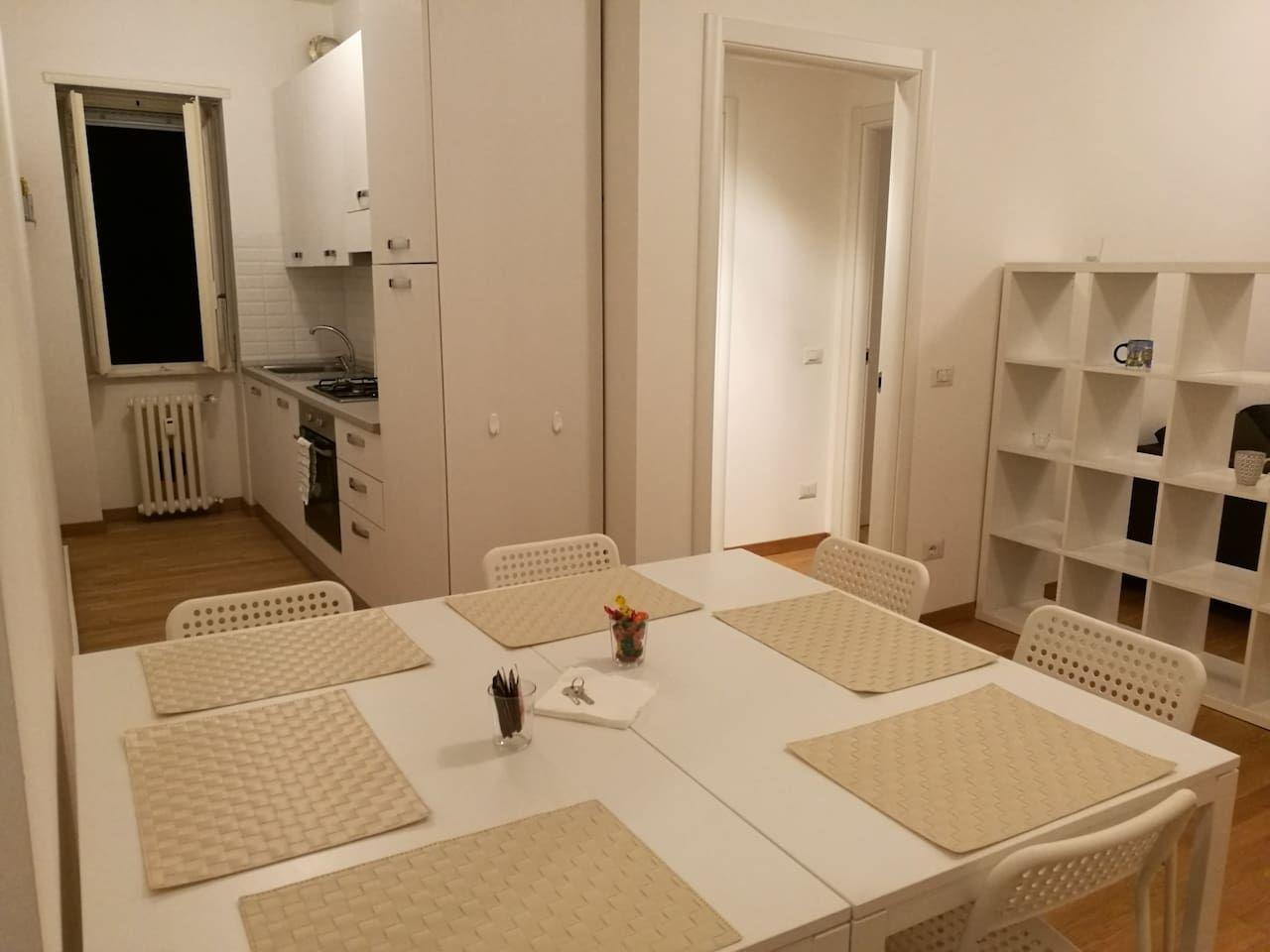 tavolo da pranzo nell\'ingresso? tavolo da cucina uguale a scrivania ...