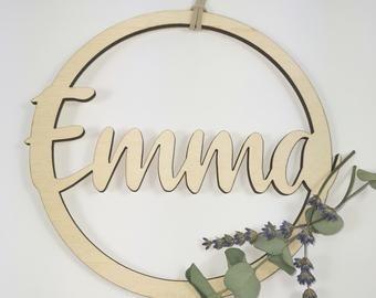 rundes Holzschild fürs Kinderzimmer Namensschild aus