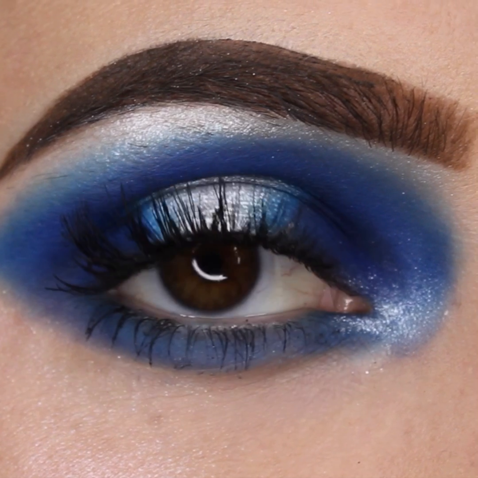 Blue & silver halo eyeshadow tutorial 💙. 💙 halo eyeshadow