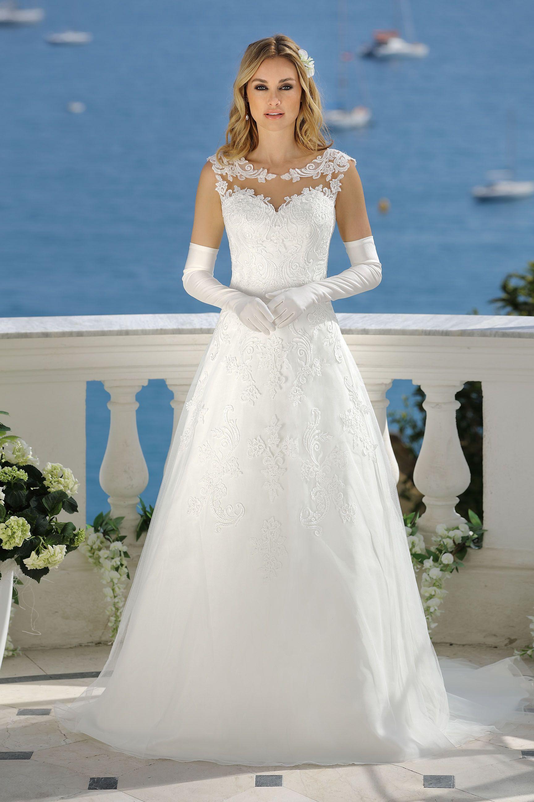 Affordable bohemian wedding dresses  BRAUTKLEIDER KOLLEKTION Brautkleider von Ladybird Brautmoden