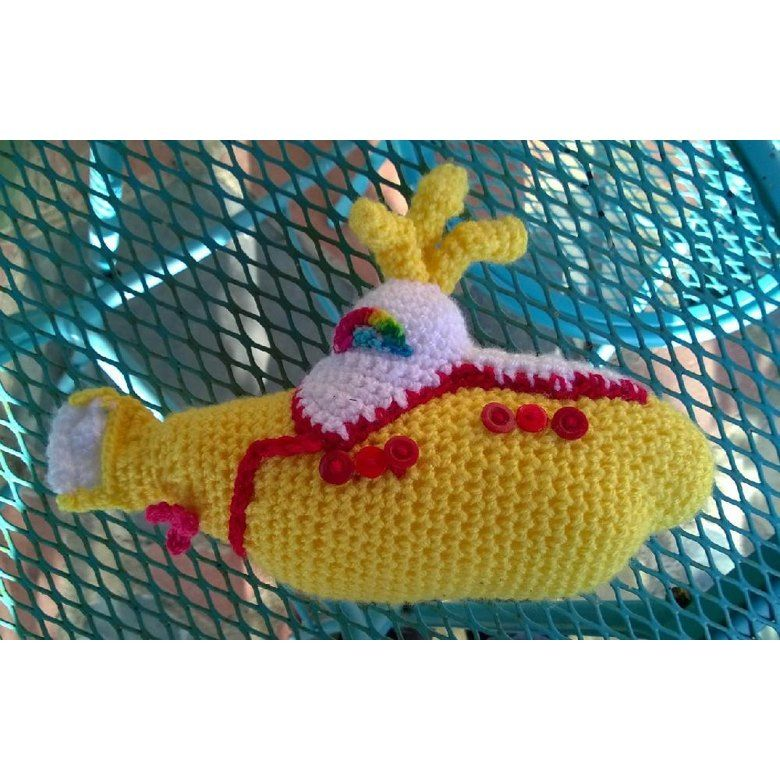 Yellow submarine amigurumi pattern by MysteriousCats | Bordado | 780x780