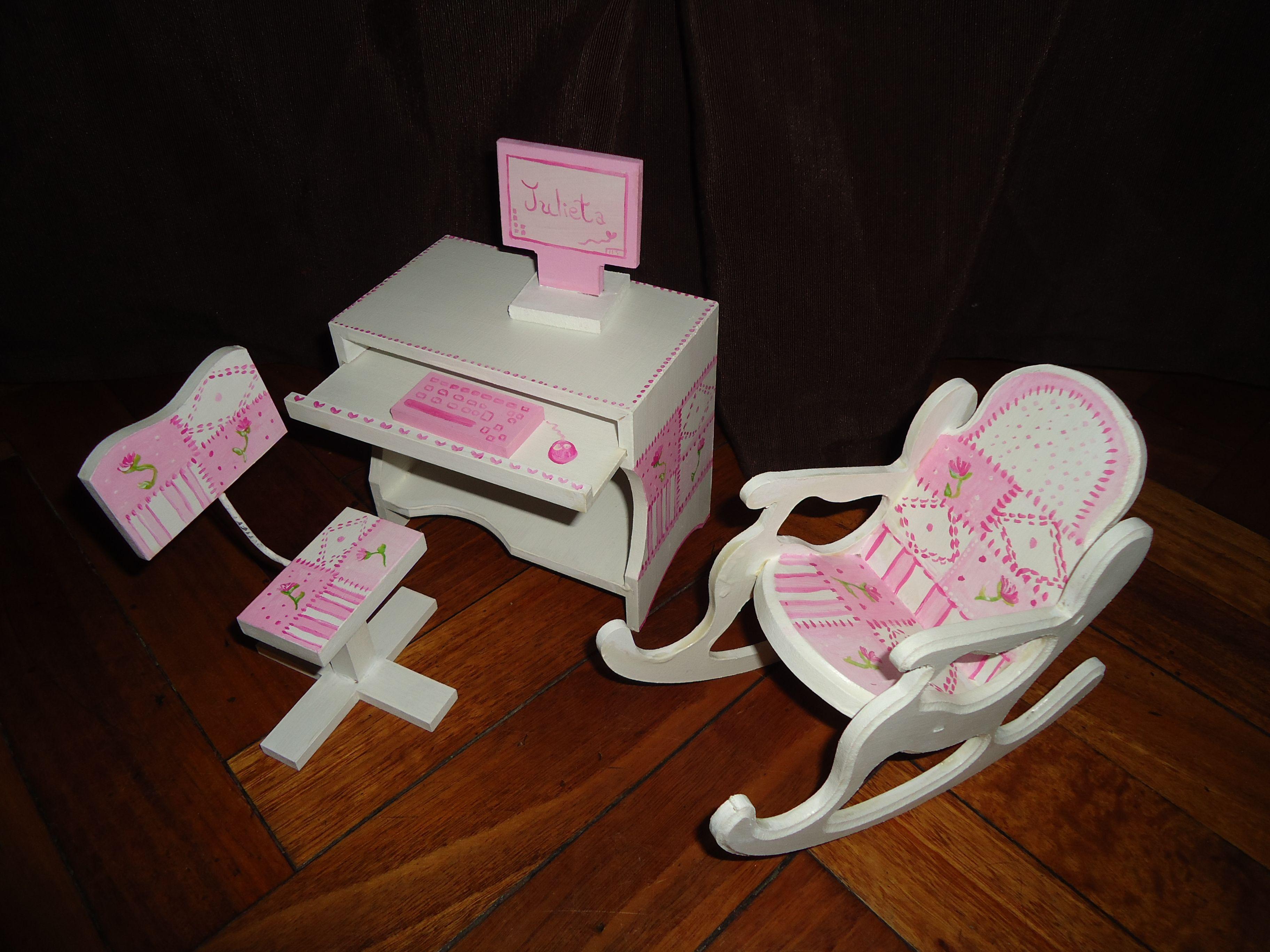 Mesa Para Pc Y Silla Mecedora Barbies Muebles Para Mu Ecas  # Muebles Mecedoras