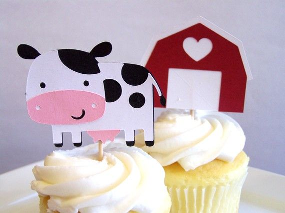 Farm cupcake decorations - could make something like this to stick into plain cupcakes... Helen, I know you love your paper!!!