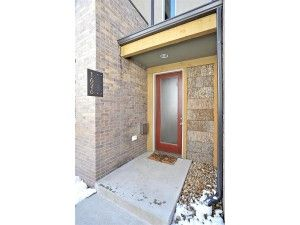 AWESOME TOWNHOME IN THE HEART OF UPTOWN ~$448,000
