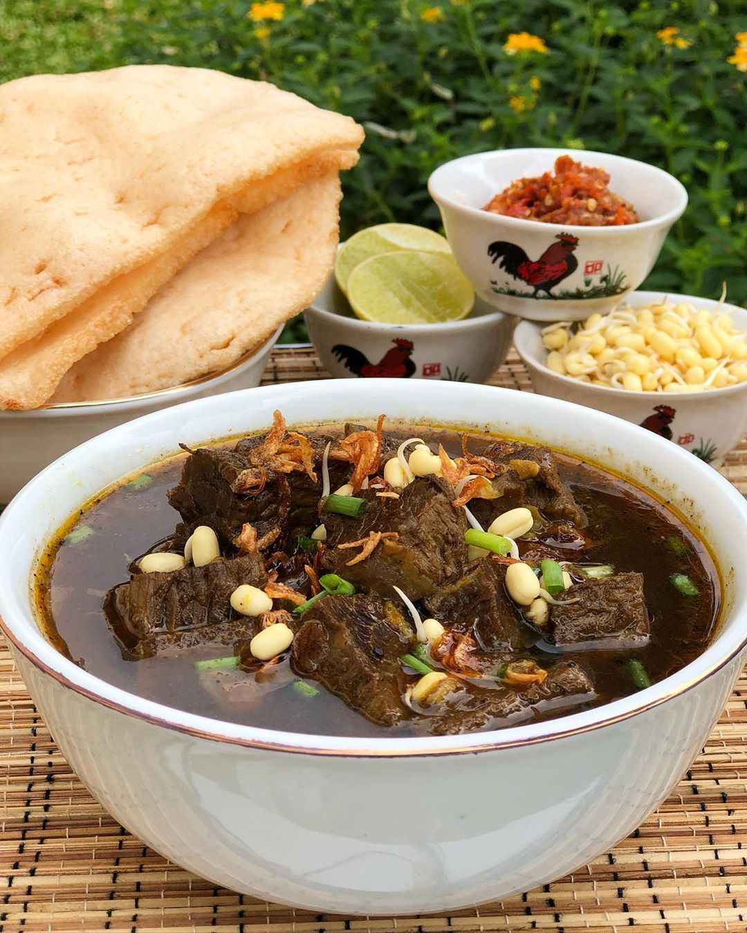 Bumbu Rawon Daging Sapi : bumbu, rawon, daging, Resep, Rawon, Daging, Timur, Spesial, Empuk, Resep,, Makanan,, Masakan