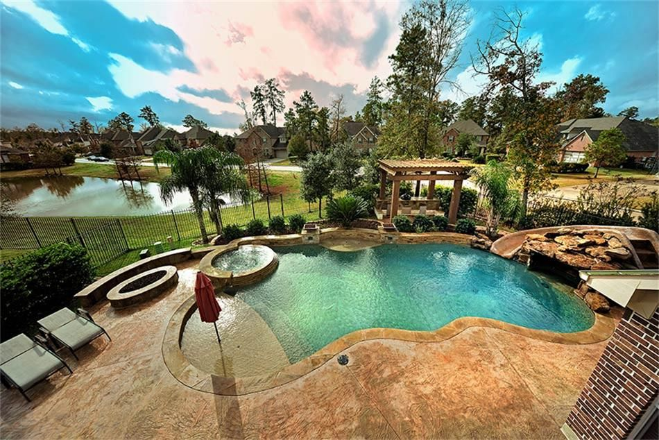 The Woodlands for Sale @ 2 Childres Pond Ct TX: 4 bed, 3 5