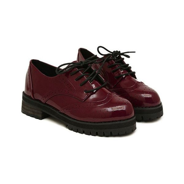 Vintage Lace-up Patent Leather Flat Shoes (1.075 ARS) ❤ liked on Polyvore featuring shoes, footwear, red, patent leather shoes, red flats, red patent leather shoes, red flat shoes and round toe lace up flats