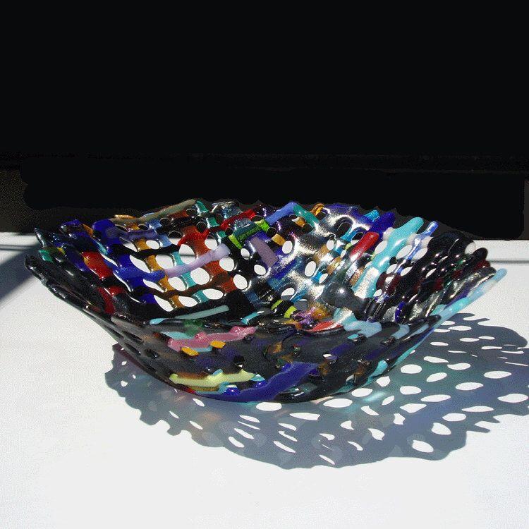 Large fused glass basket - Multicolors door minjean op Etsy https://www.etsy.com/nl/listing/104995478/large-fused-glass-basket-multicolors