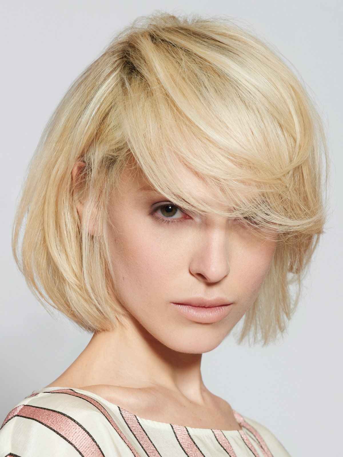 überlanger Bob Frisuren Mittellang In Blond Frisuren Kurzhaarfrisuren