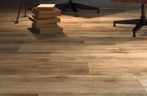 Porcelanato madera 15x60 tablas simil ilva legni life for Que tipo de piso es mejor