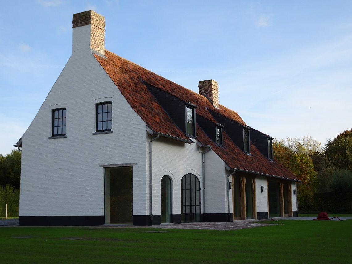 Architecten peter bovijn en sophie watelle woningen for Architecten moderne stijl