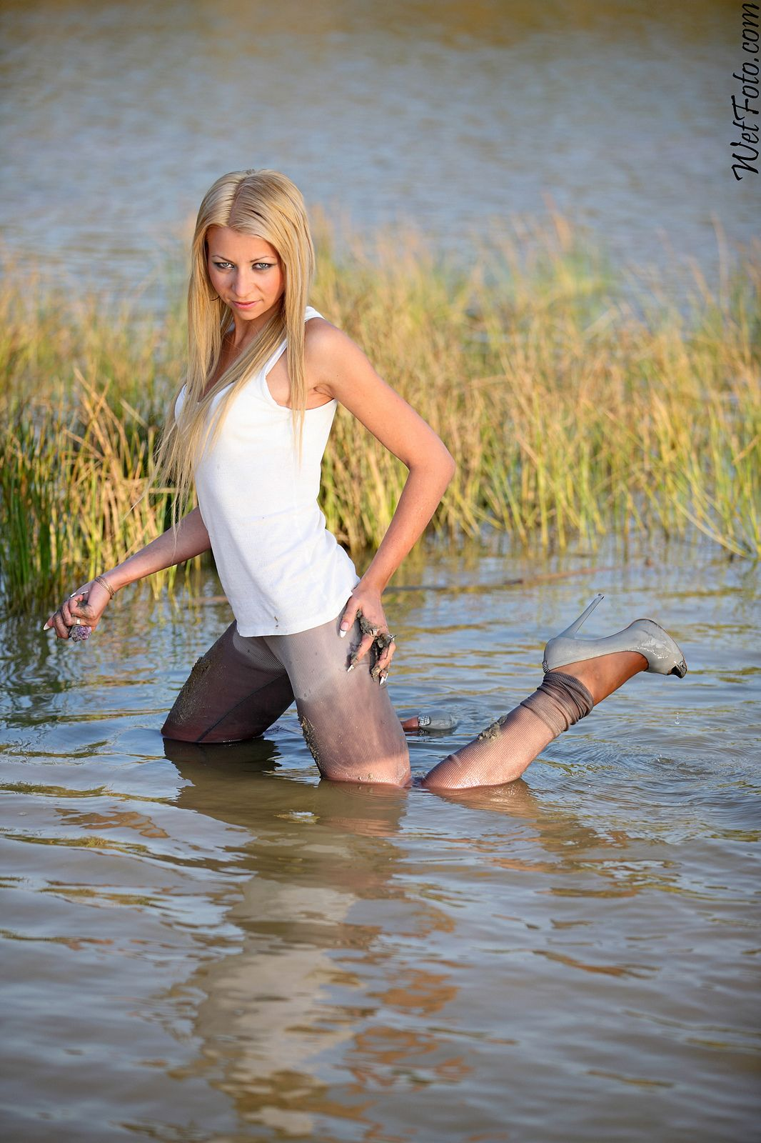 toutes les tailles | #196.1 crazy tights wetlook with hot blond