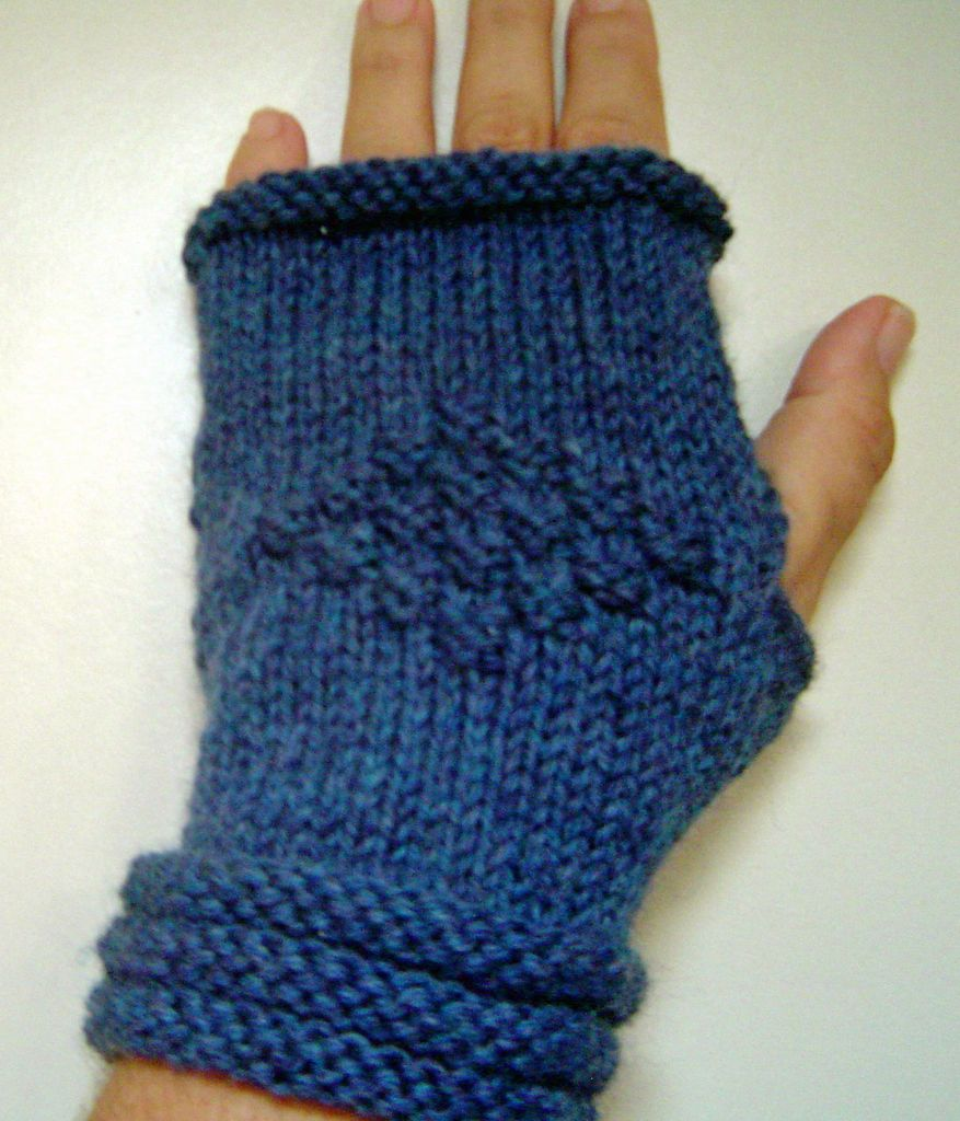 SUPER EASY WRIST WARMERS | Hand warmers, Super easy and Wrist warmers