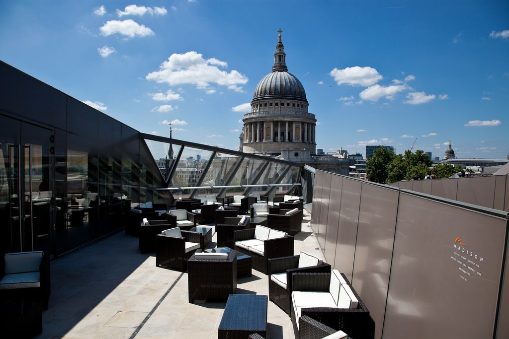 Madison One New Change 1 New Change Ec4m 9af Enjoy A Breathtaking View Of The Dome Of St Paul S Cathedral From Best Rooftop Bars London Bars London Rooftops