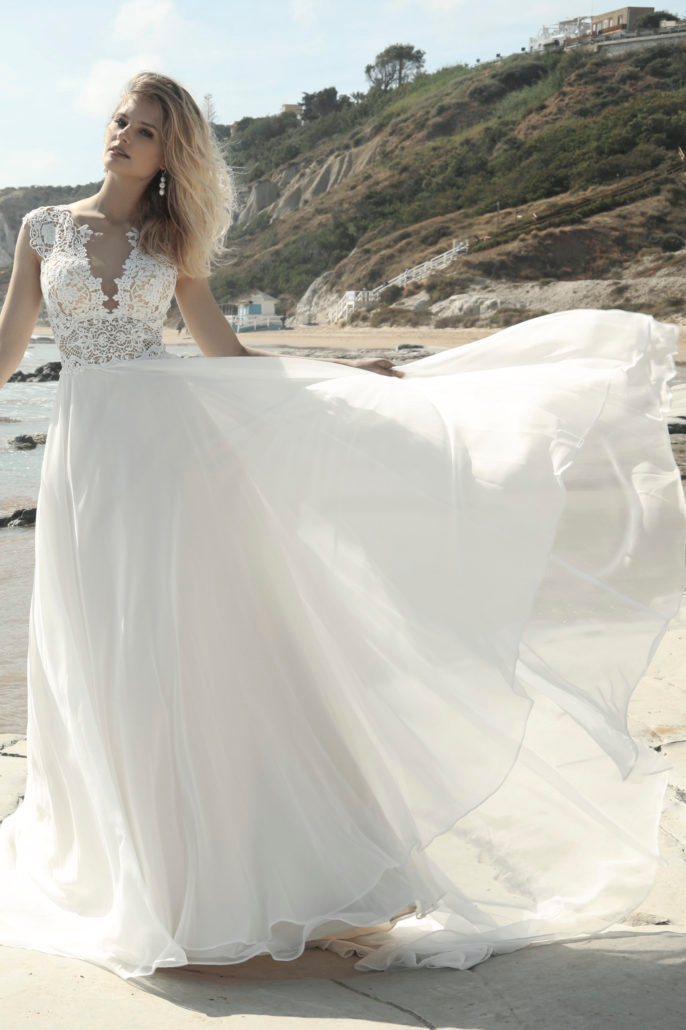 Erbau Dich Atelier Fur Brautmode In Kleve Am Niederrhein Kollektion 2020 Pret A Porter In 2020 Brautmode Tragerloses Hochzeitskleid Kleid Hochzeit