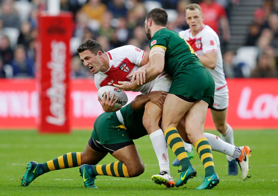 Sam Burgess Tackled By Australias Matt Gillett In A Rugby League Match Rugby Rugby7s Rugby7 Rugbyman Rugbyday R Rugby Men Rugby Team Rugby Players