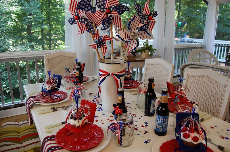 A Patriotic Celebration Table Setting Simple Table Decorations