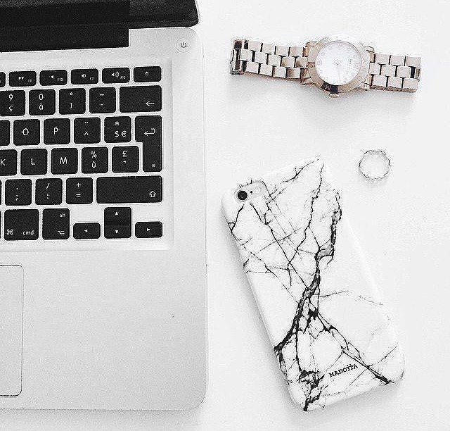 iPhone Case in Marmor-Design in schwarz und weiß. Hier entdecken und shoppen: http://sturbock.me/mSf