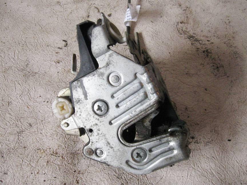 Door Striker Lock Latch Left Front W124 300e Mercedes 1247202135