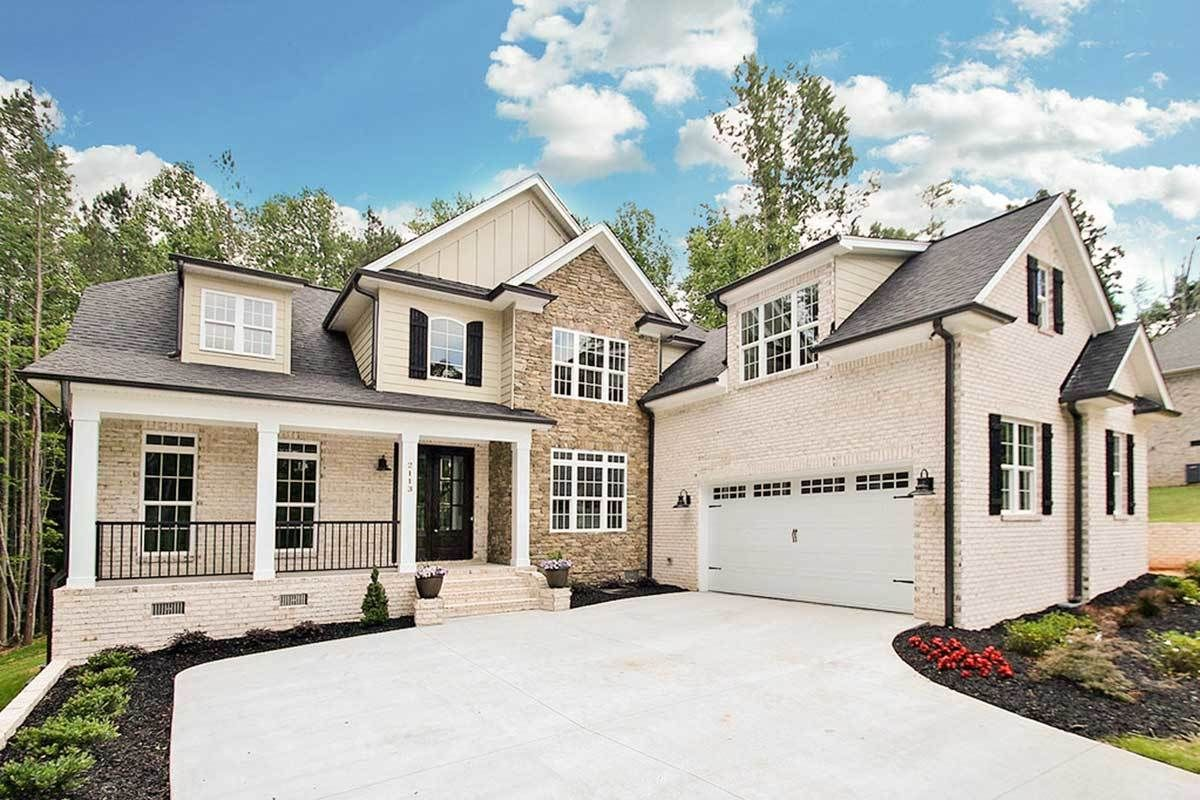 Plan 710129btz 4 Bed House Plan With Courtyard Entry Garage Courtyard Entry Courtyard House Plans Garage House Plans