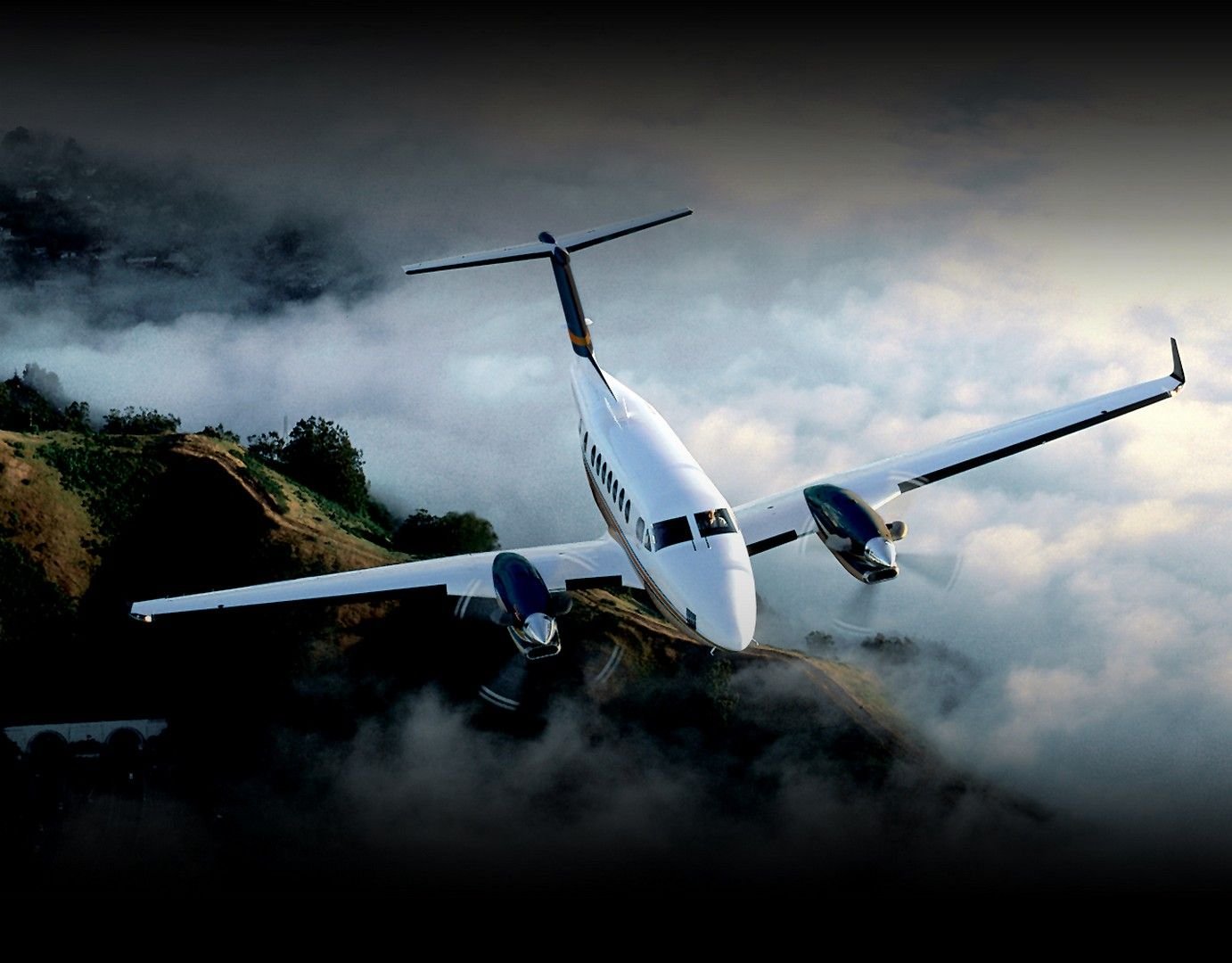 HD Beech 350 Super King Air (Beech) wallpaper