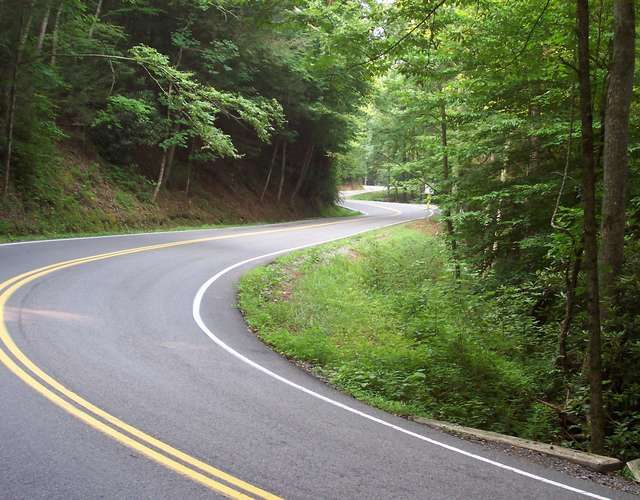 Tail of the Dragon: US 129's windy scenic drive