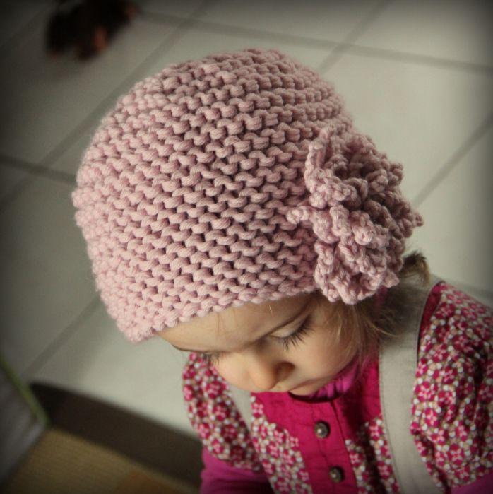 tuto bonnet tricot fleur 2 ans avec fleur en crochet crochet pinterest tuto bonnet tricot. Black Bedroom Furniture Sets. Home Design Ideas