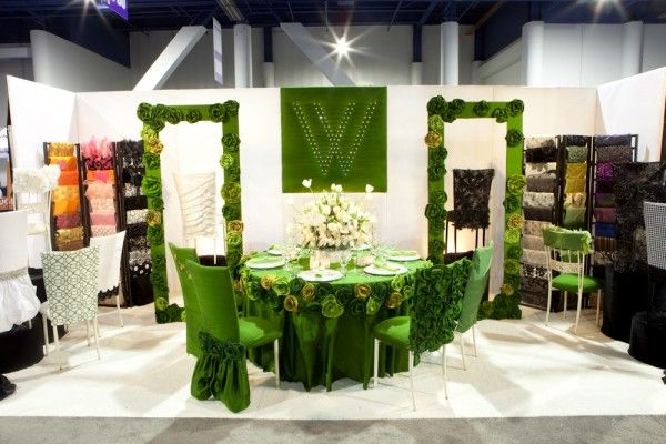 Emerald Green Table Linen And Chair Covers With Images Bridal