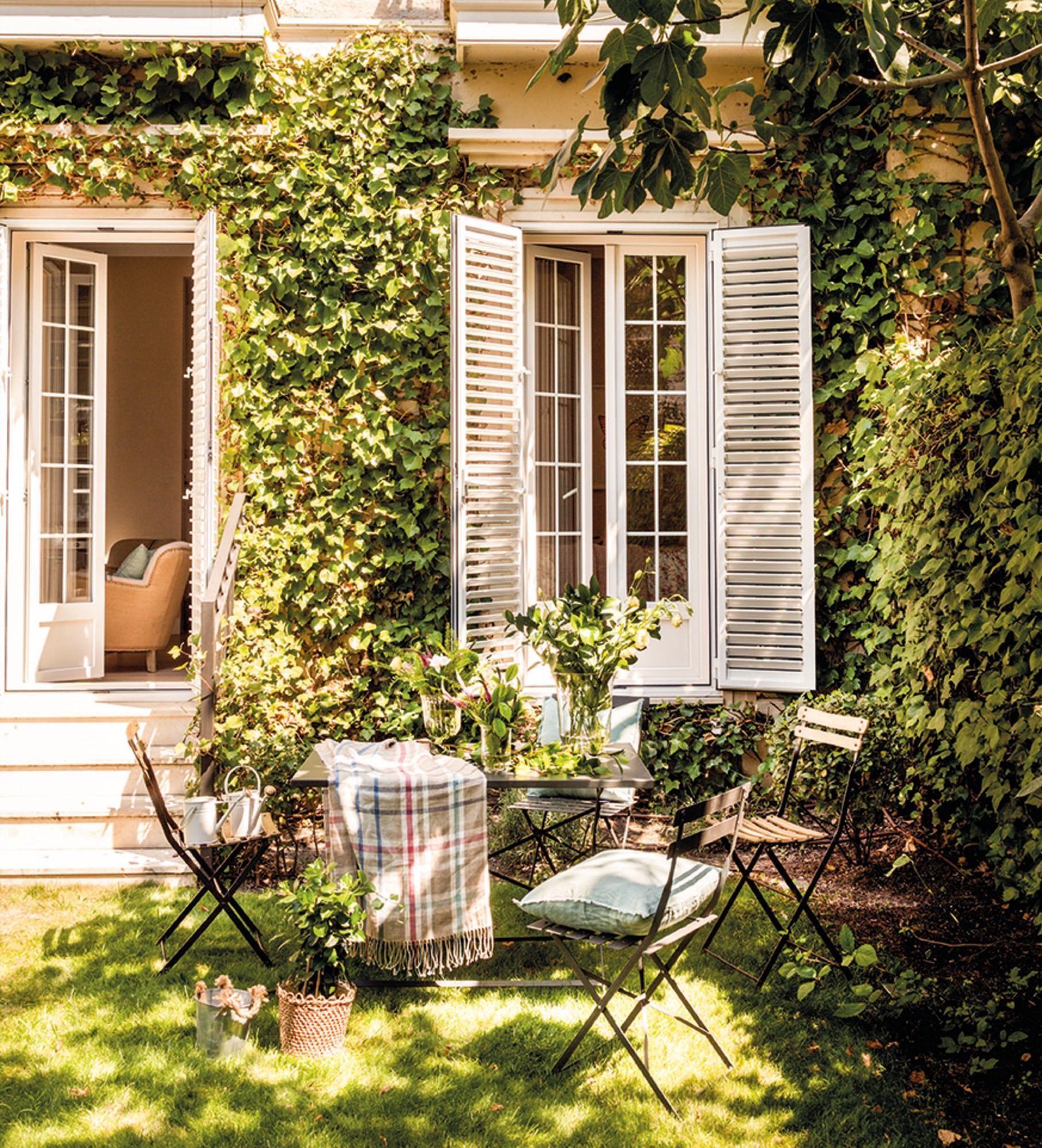 Pin di Voldie su House Interiors, Gardens & Architecture