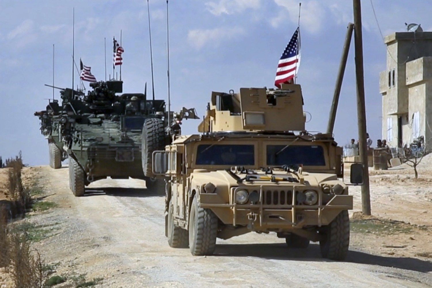 U S  considering complete troop withdrawal from Syria