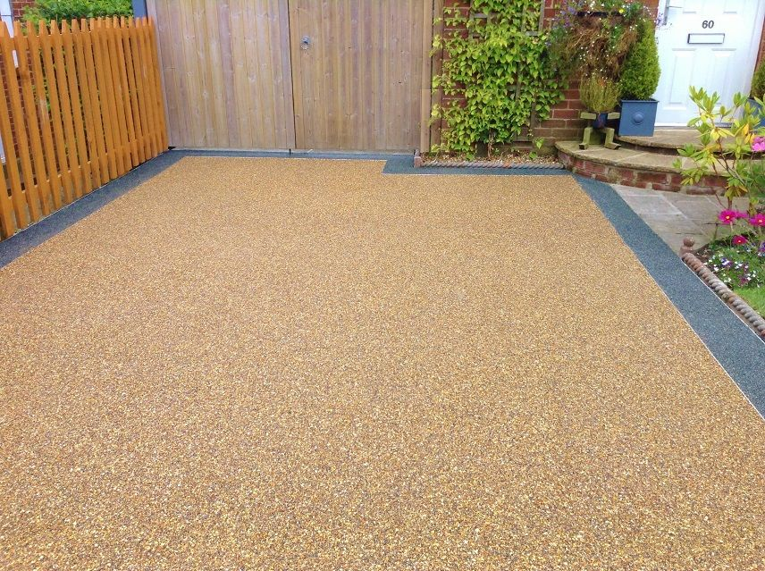 Pin By Dana On Zahrada Resin Driveway Driveway Design Resin Patio