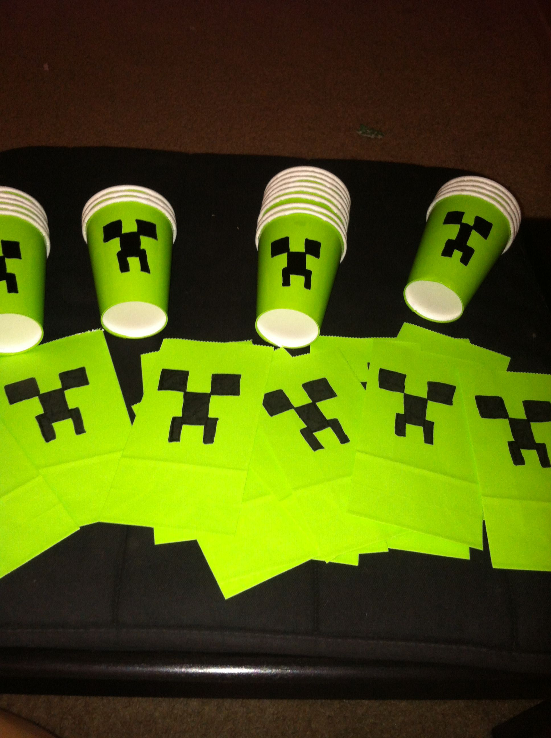 Minecraft diy party decorations Minecraft Party Pinterest Diy