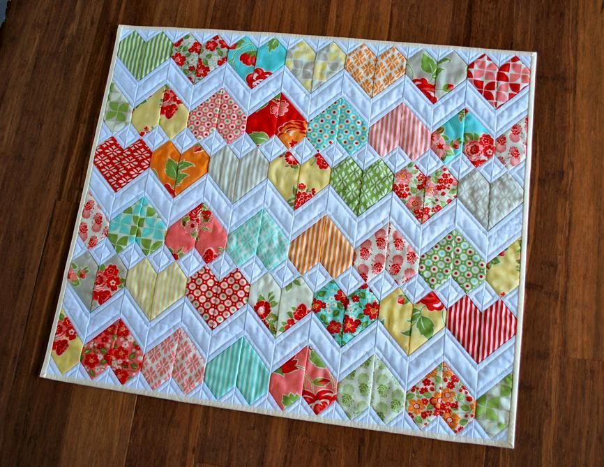 ZigZag Love Heart Quilt Pattern | Kuviot,Vauvan tilkkupeitto ja ... : heart quilt block pattern free - Adamdwight.com