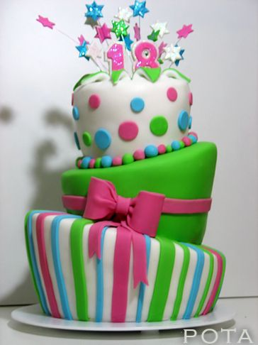 gteau danniversaire 18 ans topsy turvy cake torta za 18