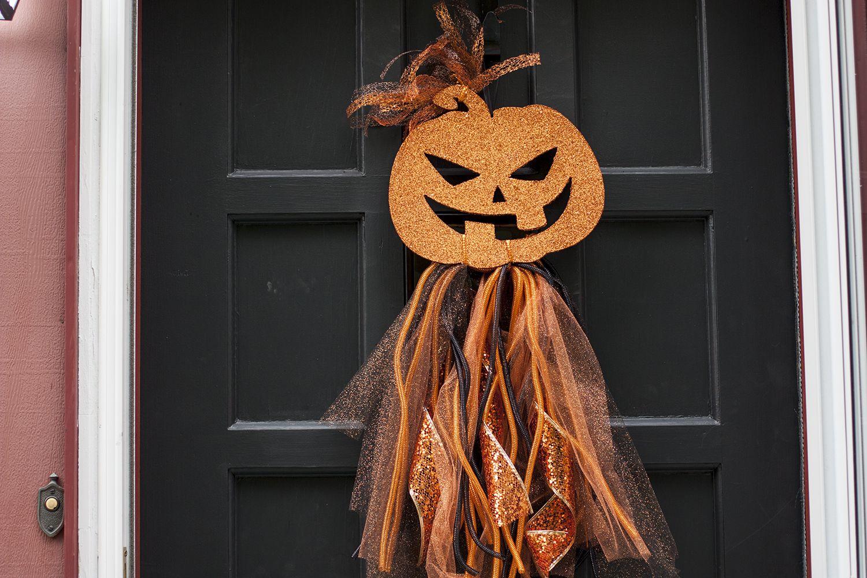 DIY Halloween Wreath Dollar Store Door Decor Diy
