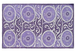 What a gorgeous rug!  This would go perfect in my PURPLE master bedroom makeover!!