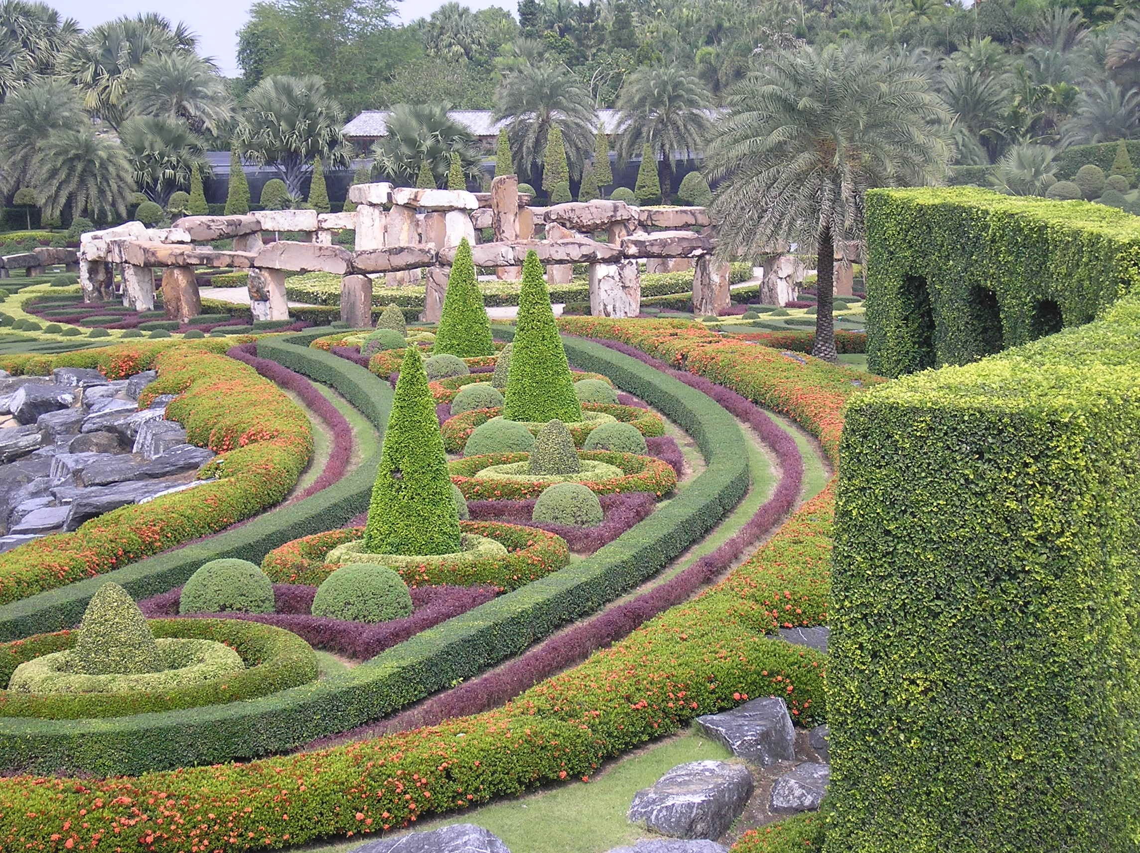 a gardners' love of the most beautiful gardens in the world