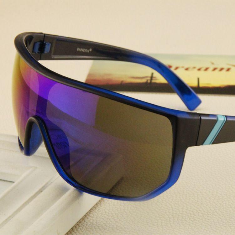 2017 Hot Sale square frame Sunglasses Men Goggles Anti-Reflective Eyewear  Women Top Brand Travel a3b8a2b248