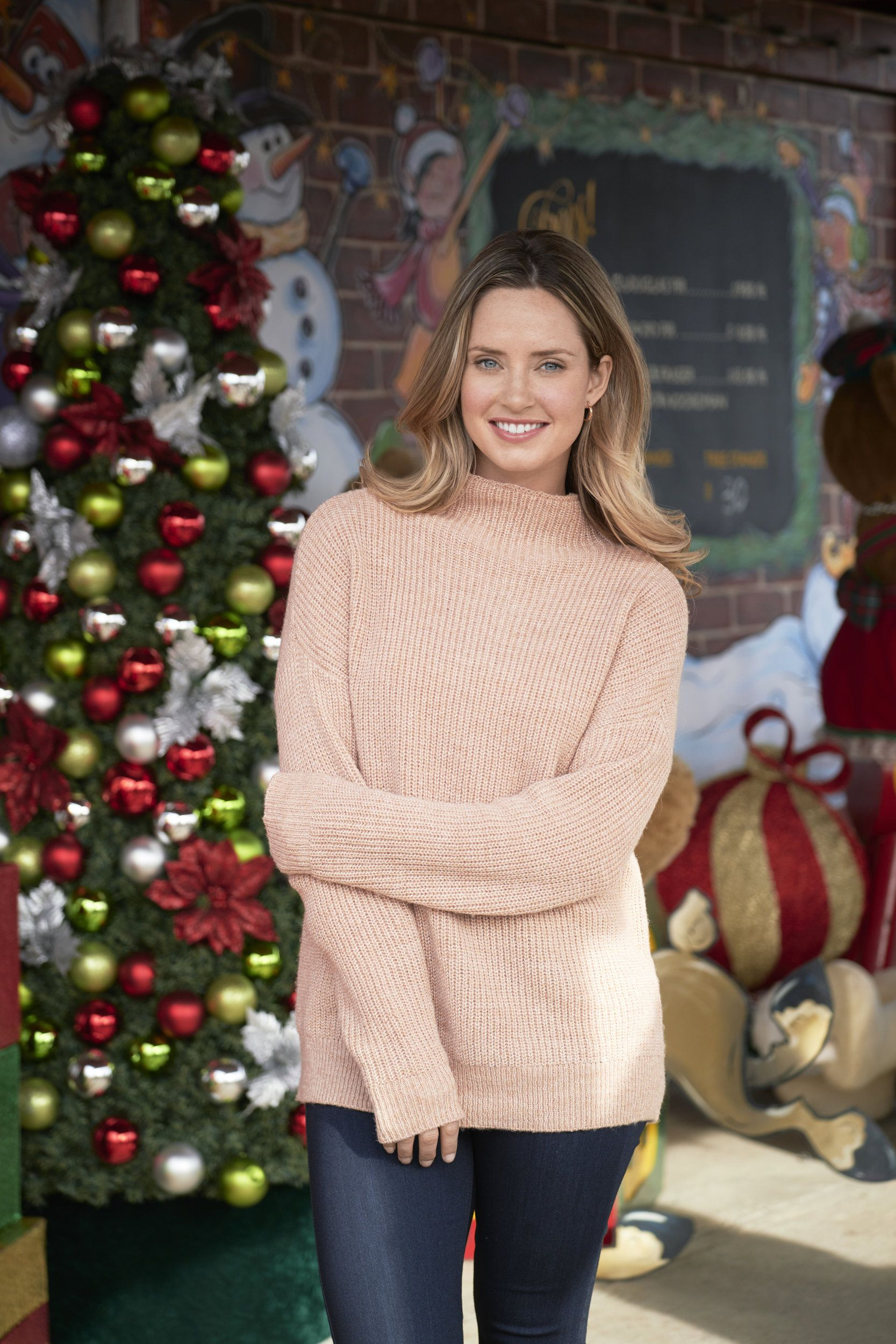 Pin By Josh Bebiif On Perfection In Its Finest Forms Merritt Patterson Classic Christmas Movies Christmas Movies On Tv