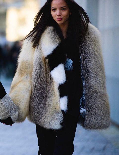 a953928333be5 Off-White Pre-Fall 2017 | Fur-my-goodness in 2019 | Fur, Fox fur ...