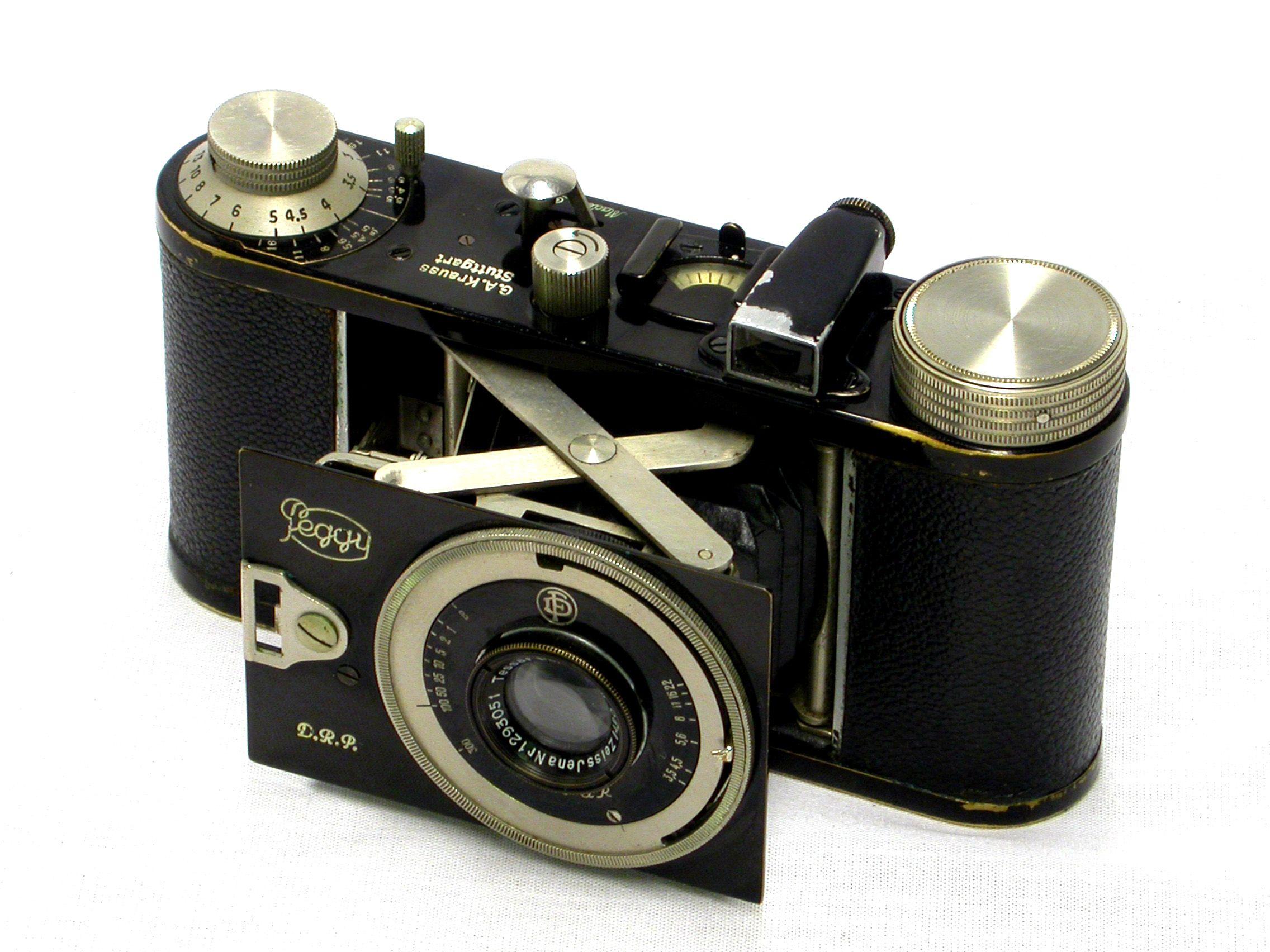 современный пленочный фотоаппарат опишу