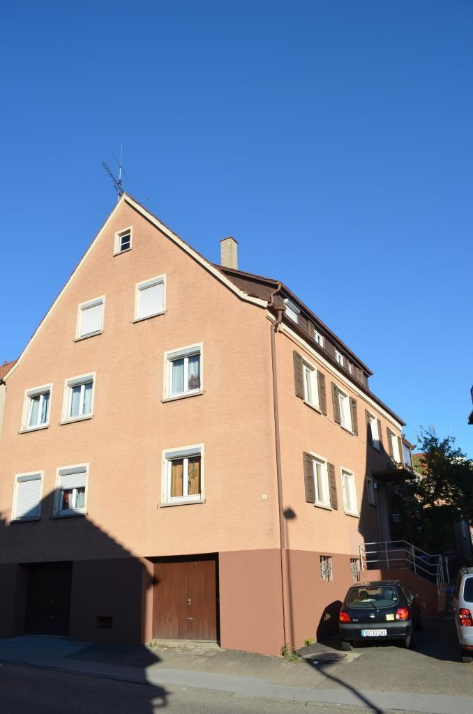 Teilrenoviertes 3-4 Familienhaus der vielen Möglichkeiten in Leonberg-Eltingen